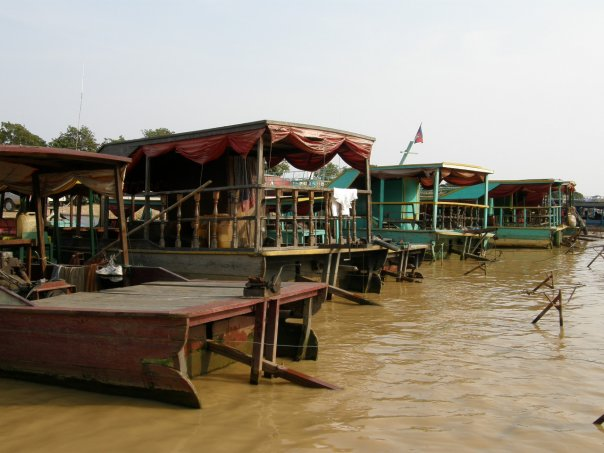 River boat to see the floating village