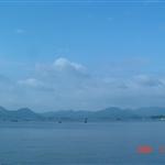 蓝天白云,湖光山色,人间天堂.JPG