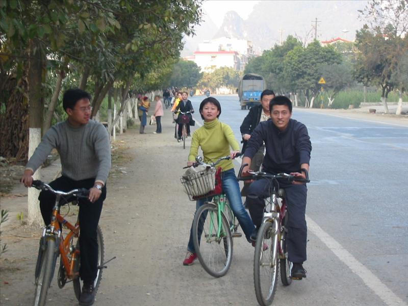 Cycle in Yangshuo---www.china-tour.cn