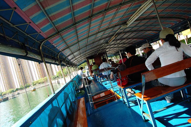 西灣河碼頭坐船去東龍島