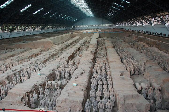 Xian (西 安)--museum of Terra-Cotta Warriors and Horses (秦 兵 馬 俑 )