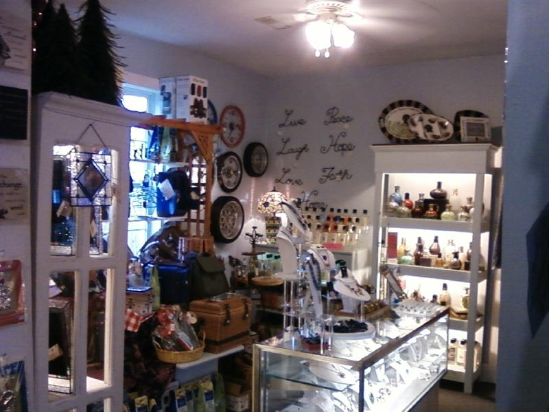 inside Mississippi Mud gift shop