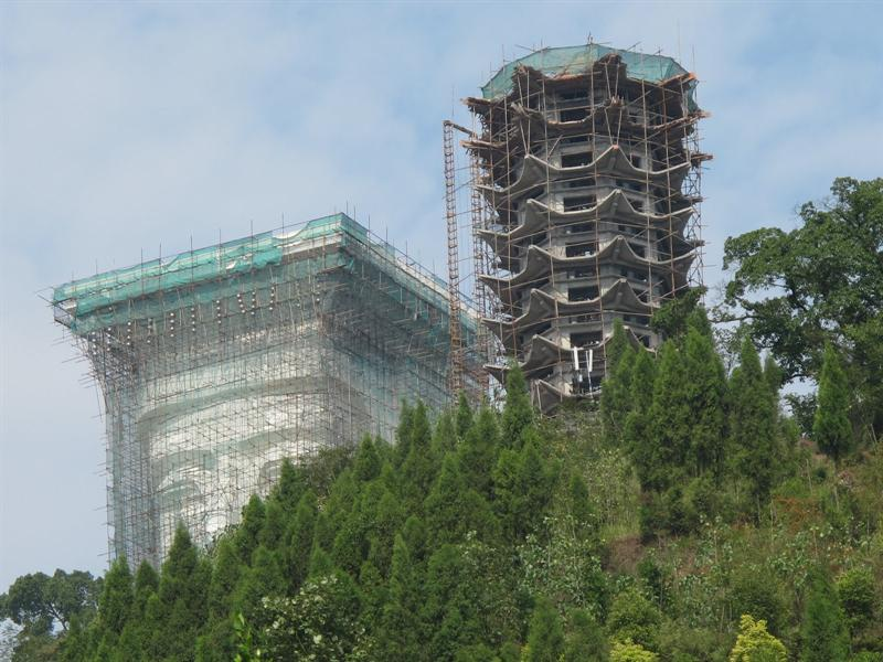 A new site of large Budda head and the tall Pagoda are under construction.