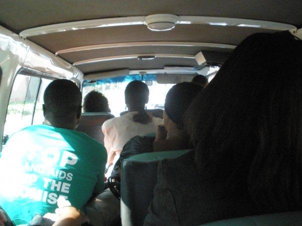 in the minibus / dans les minibus utilisé presque uniquement par les populations noires