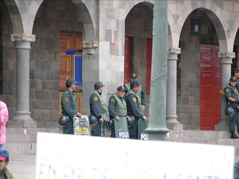 Federales representing The Man, with tear-gas guns.