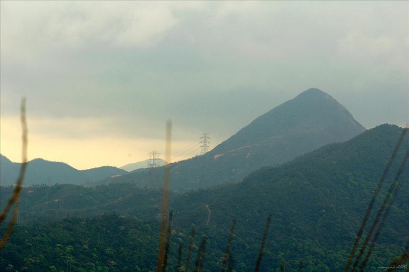 望向西南面的針山 Needle Hill