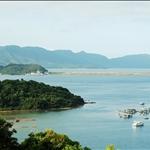 船灣淡水湖的防波堤近在咫尺