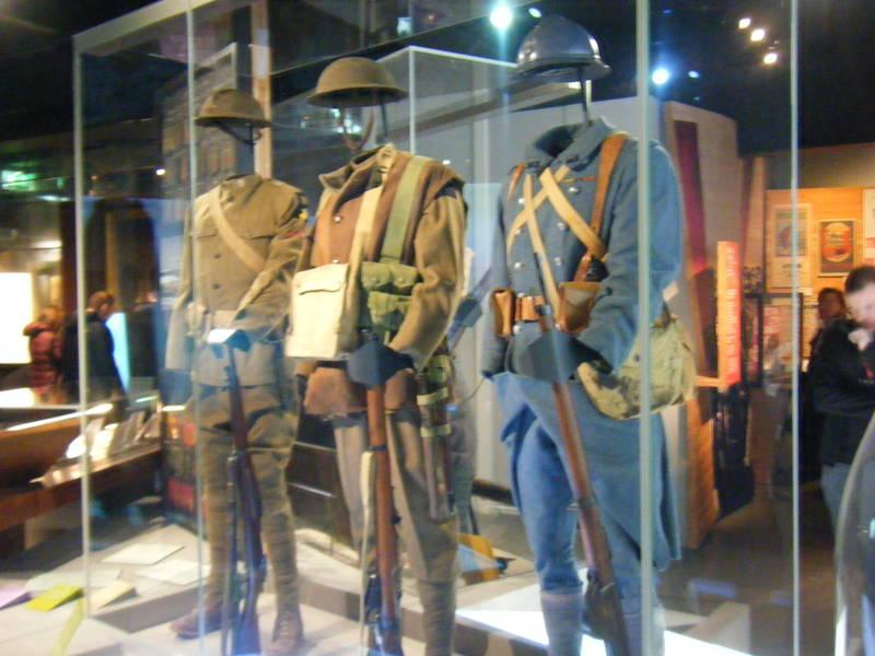 Imperial war museum - world war unifroms