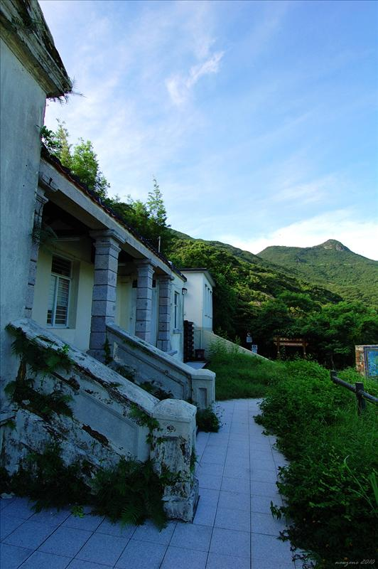 Former Watchman's Cottage (presently Pok Fu Lam Management Centre) 前看守員房舍 (現時為薄扶林管理中心) (1860-1863