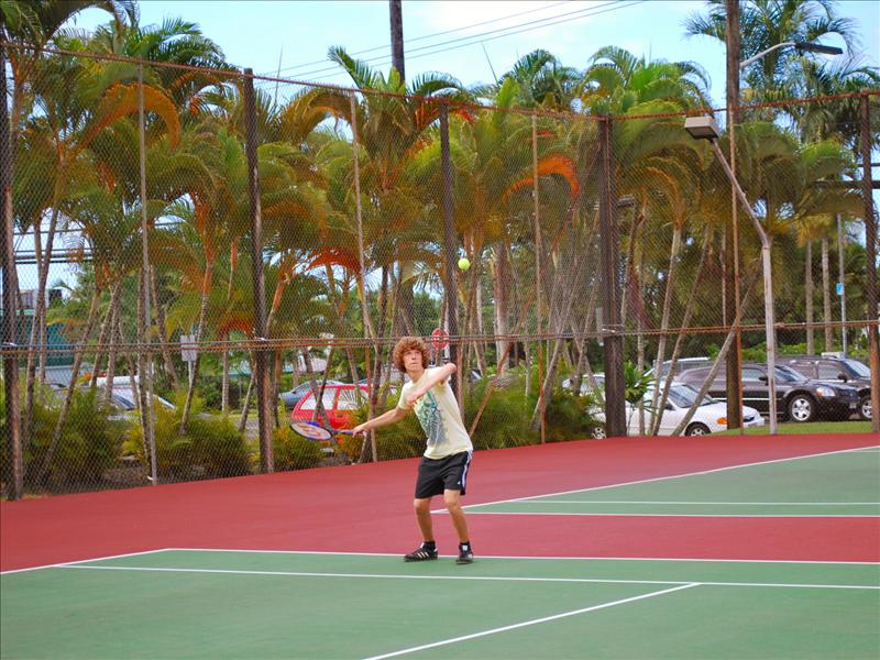 Hilo - Lincoln Courts, playing some tennis