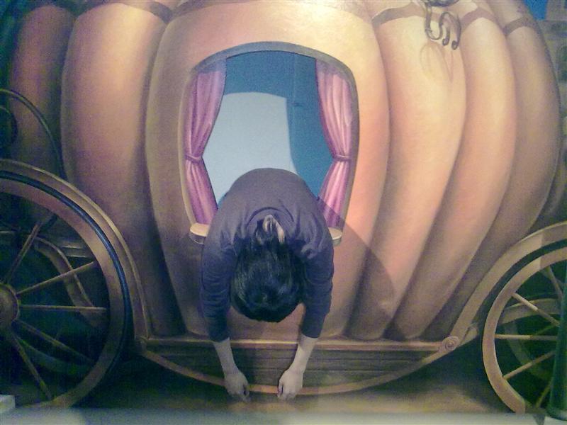 伊凡公主昏於南瓜馬車上~
