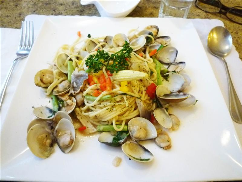 白酒蛤蜊義大利麵  好吃~.jpg