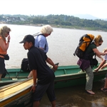 Getting of Thai-Laos boat