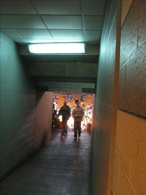 ik had deze foto voor de wedstrijd moeten nemen, wat een manier om binnen te komen!!