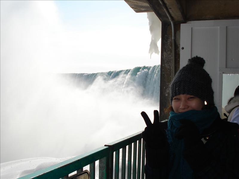 The Niagara under.3