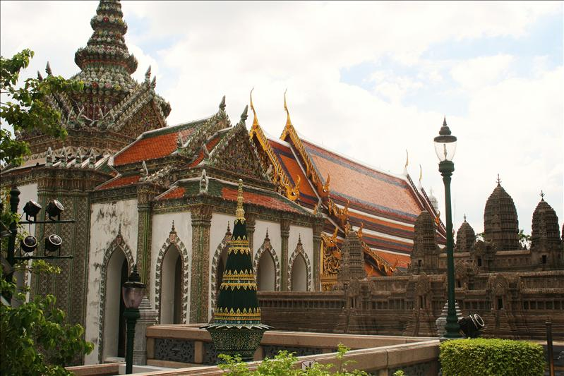 Taken in the grounds of the Grand Palace.