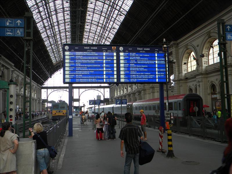 Kellety Train Station, Budapest, Hu