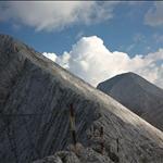 На Кончето. Вляво - част от гребена на Кутело, зад него Вихрен.