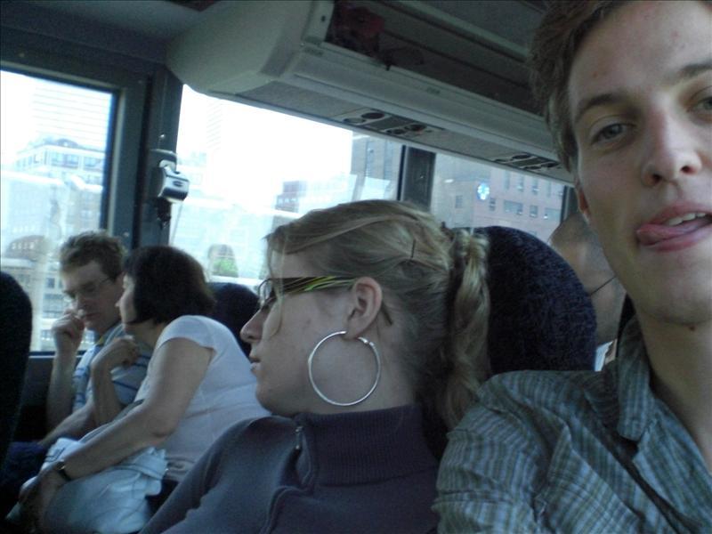 Zodra Ilse zit (..en een reispilletje heeft geslikt) slaapt ze