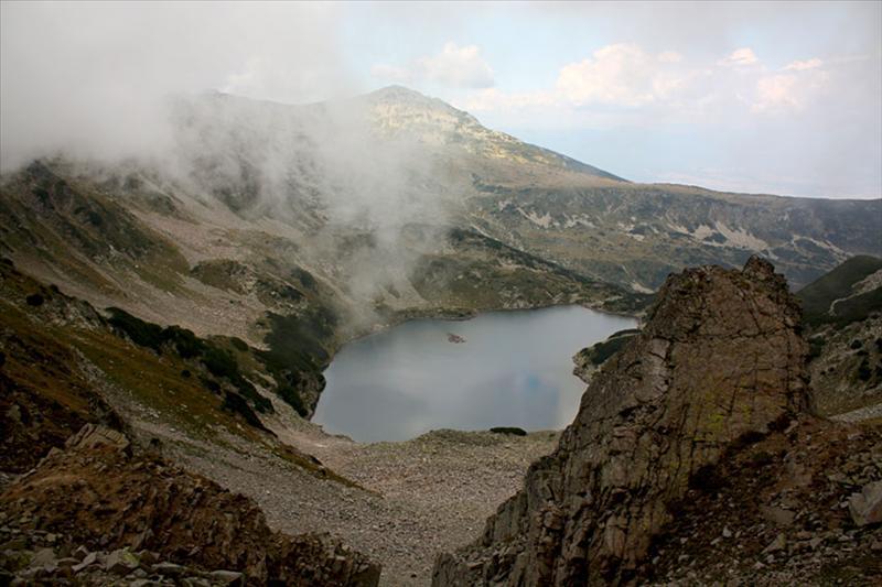 Същото езеро. В дъното Тодорка.