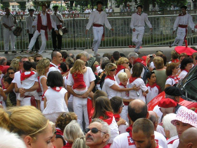.. to see the Basque dancing....
