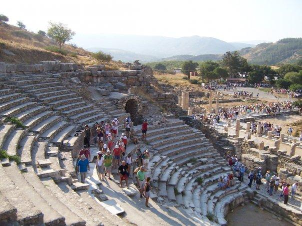 EPHESUS - THEATRE - THE CROWDS ARRIVE