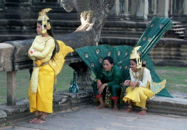 TRADITIONAL DANCERS, ANGKOR WAT - SMILING