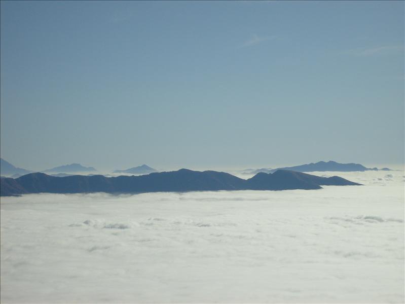 mar di nebbia�dalla capanna Al Legn�2009
