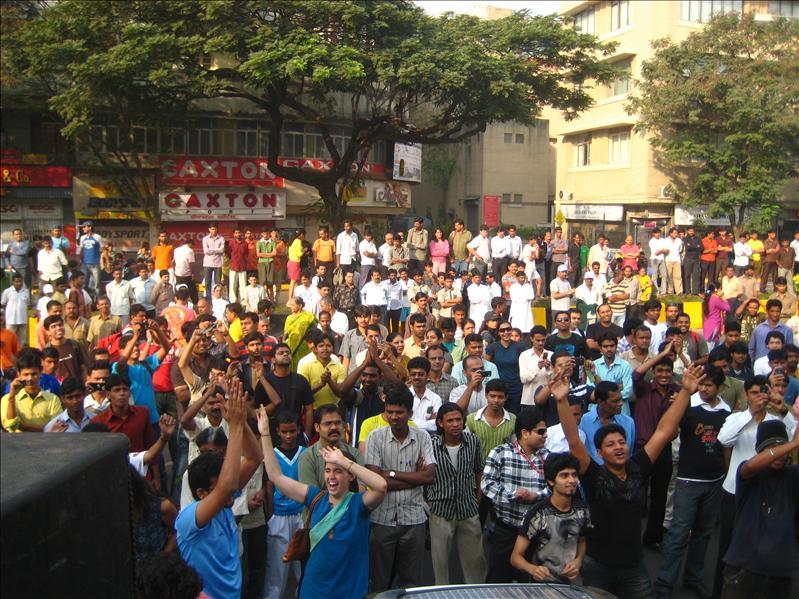 mumbai marathon revelers