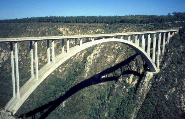 BLOUKRANS BUNGY BRIDGE, SA - APR