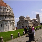 The stretch of the Pisa Tower.JPG