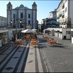 Evora main square in the evening.....
