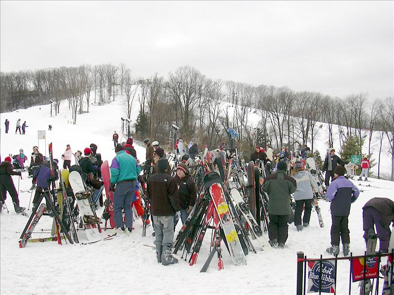 "while not ""world"" class by any means, Hidden Valley is one if not the only ski resort in Missouri or Illinois"