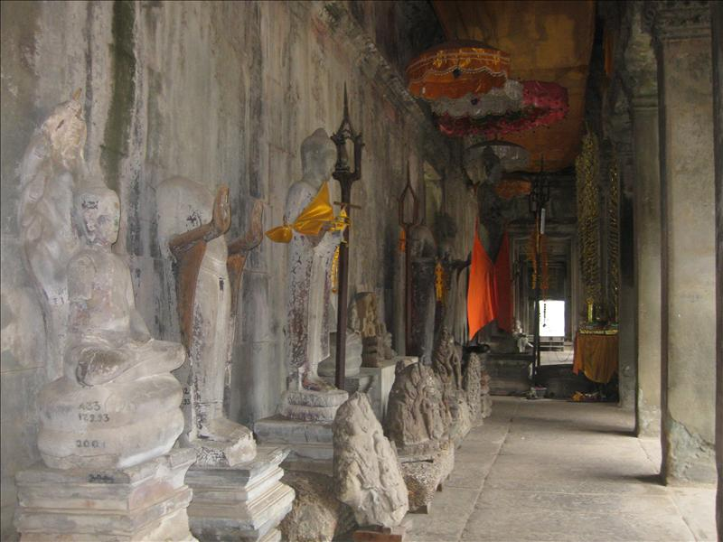Buddhist statutes inside the temples