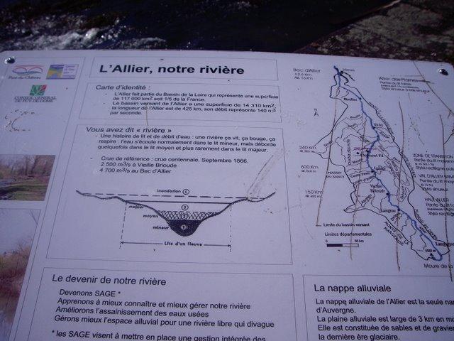 解釋這條河的名字還有地理環境