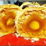 阿默豆蓉蛋黃酥斷面