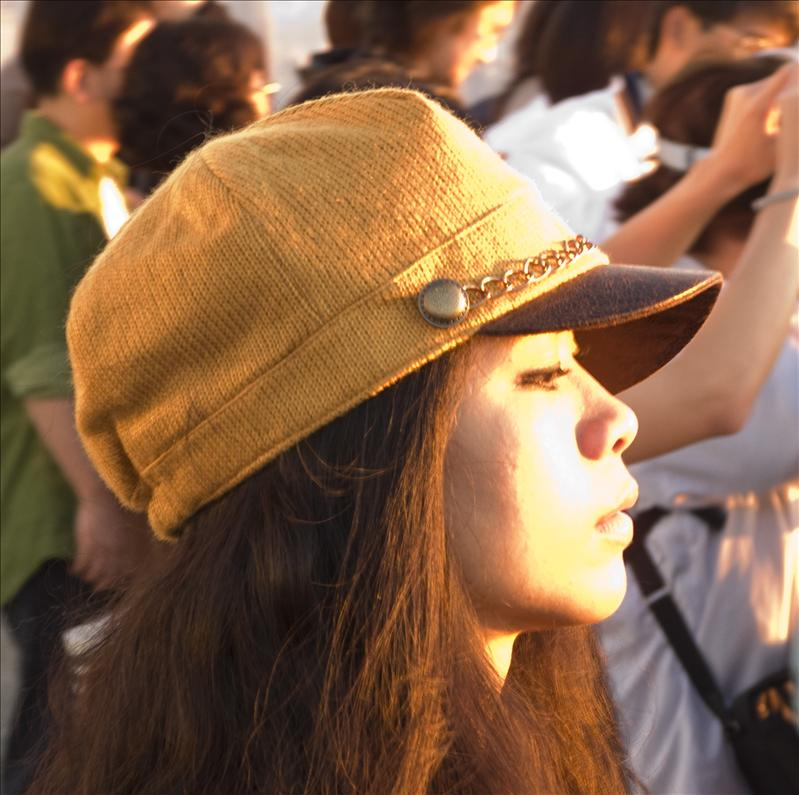 Another beautiful japanese girl waiting for the sunset!