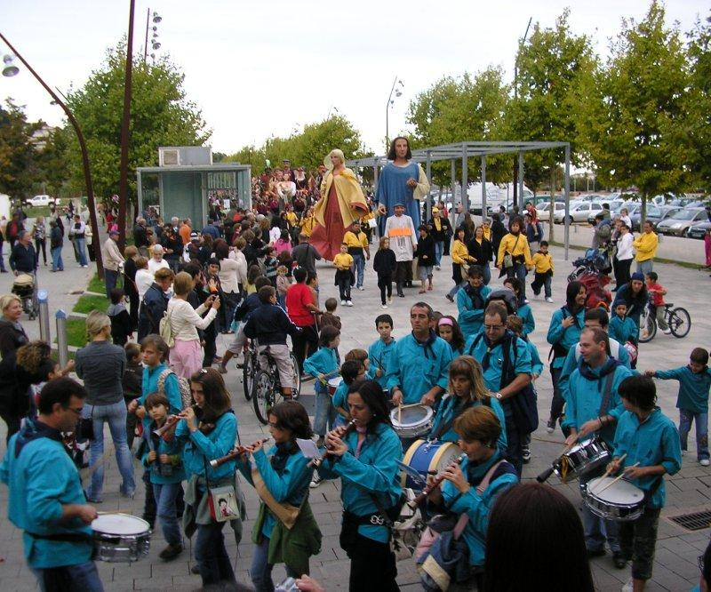 .. the procession starts with their bands ....