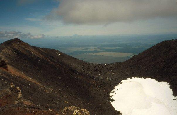TONGARIRO CROSSING, NGAURUHOE - NI - FEB 2004