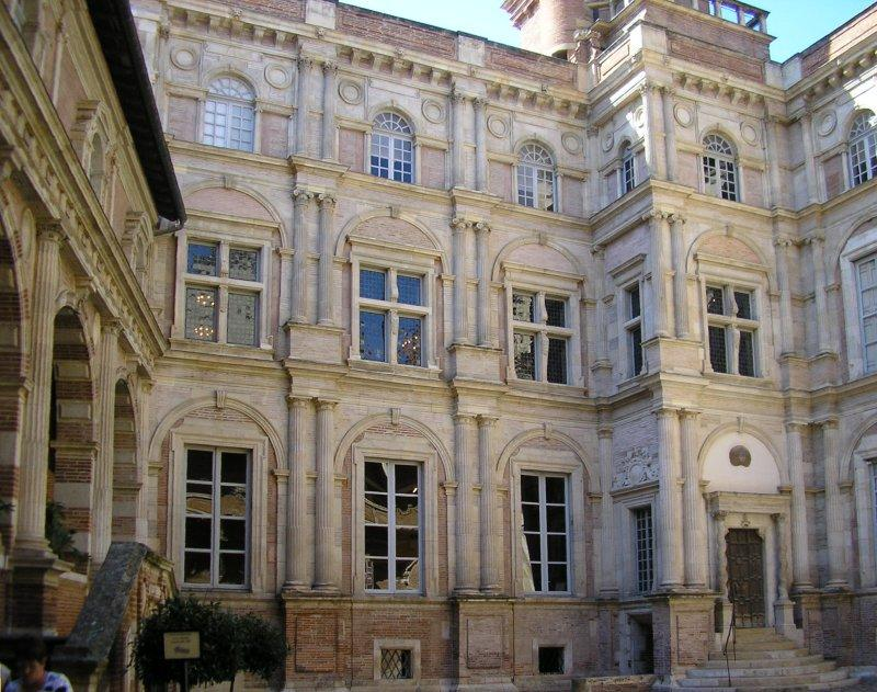 The Hotel d'Assezat, was the finest private mansion in the city.