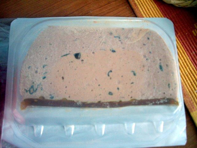 是鵝肝醬和碎肉做成的mousse