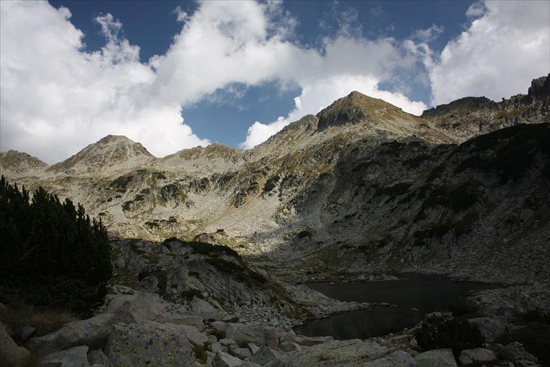 Малка Каменица и гребенът към Каменица. Лелееее, по тия зъбери ли сме минали ?!
