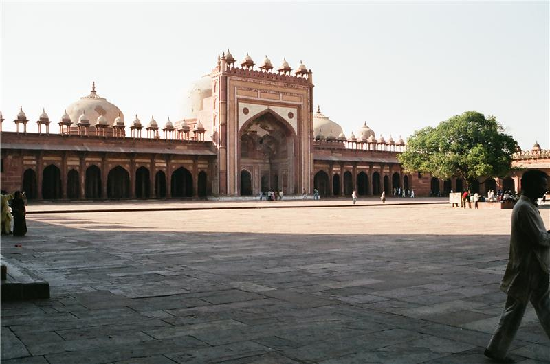 Jama Masjid: It is a Jami Mosque meaning the Friday Mosque