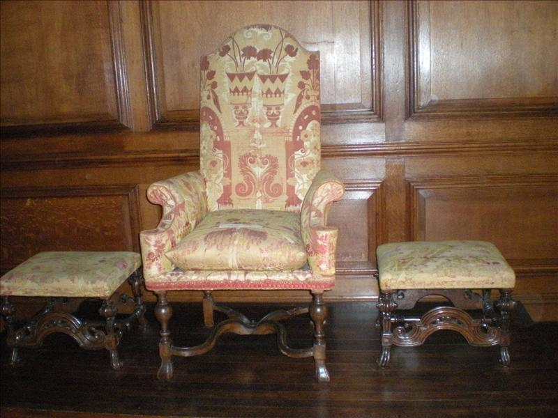Queen Anne's Throne, Hampton Court - 26th May