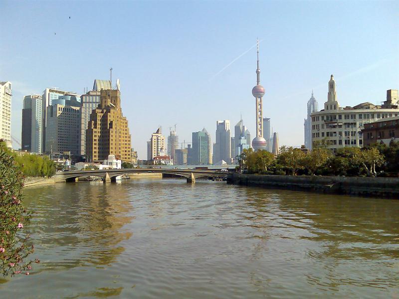 从苏州河上看浦东