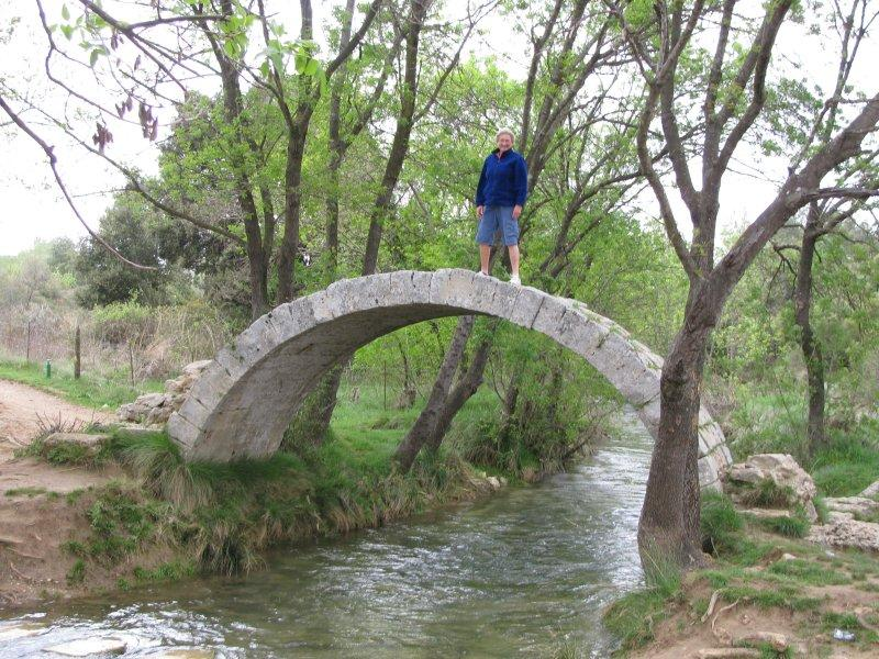 Walks over this Roman bridge ....