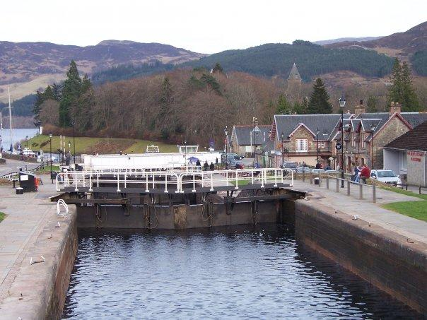 FORT AUGUSTUS, CALEDONIAN CANAL, APR 2007