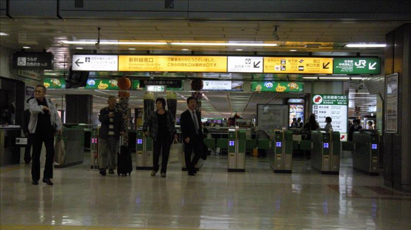 仙台車站內準備搭車前望下一站---八戶