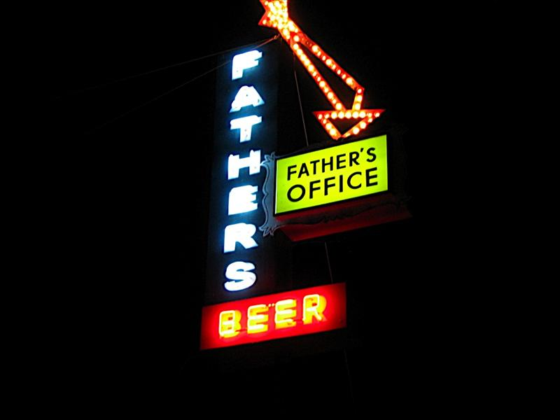 Father's Office Grill in Santa Monica (Locals Hangout) Best Hamburgers in LA