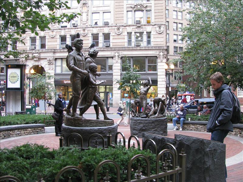 freedom trail gewandeld wat de geschiedenis van boston verteld met beelden en gebouwen..